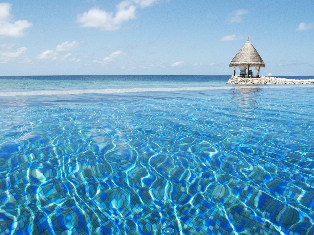 Vivanta By Taj Coral Reef Hotel Maldives Luxury Spa